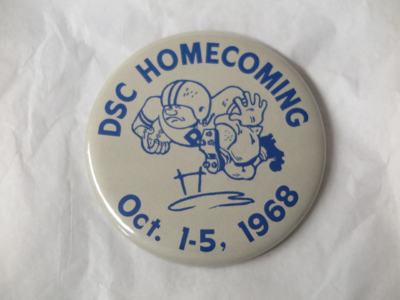 Homecoming Button - 1968.JPG